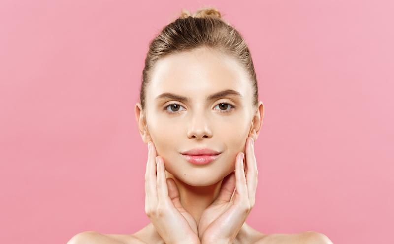 Sürekli kuru cildinizi korumak için en iyi bitkisel destekler